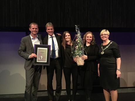 Øglænd System Gruppen mottar prisen